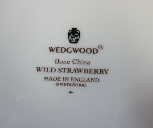 ウエッジウッドWedgwood ワイルドストロベリー 27cm ガトープレート