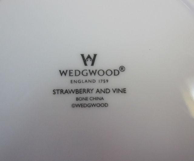 ウエッジウッド Wedgwood  ストロベリー&バイン サラダソーサー (オートミール) 【個数限定】